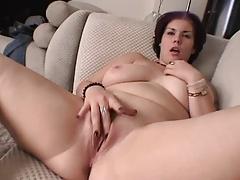 אמא חרמנית סקס לידי בוי